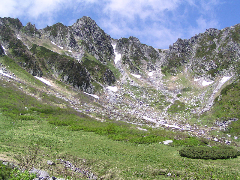 July: Senjojiki Cirque in early summer